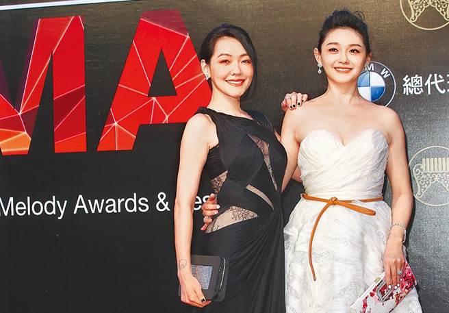 互相扶持卻也被殘酷比較!十大台灣演藝圈最紅話題姊妹檔。(資料照片)
