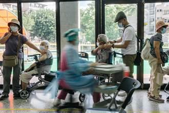 新冠重症「換個姿勢就死了」 醫揭內幕:疫情下降是假象