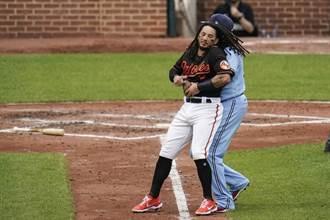 MLB》小葛瑞洛23轟 打架還把對手抱出場