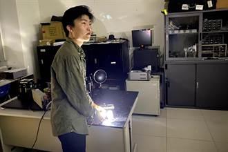 明新科大光電系葉宸瑜設計「遠近合一車燈」  全國競賽奪冠