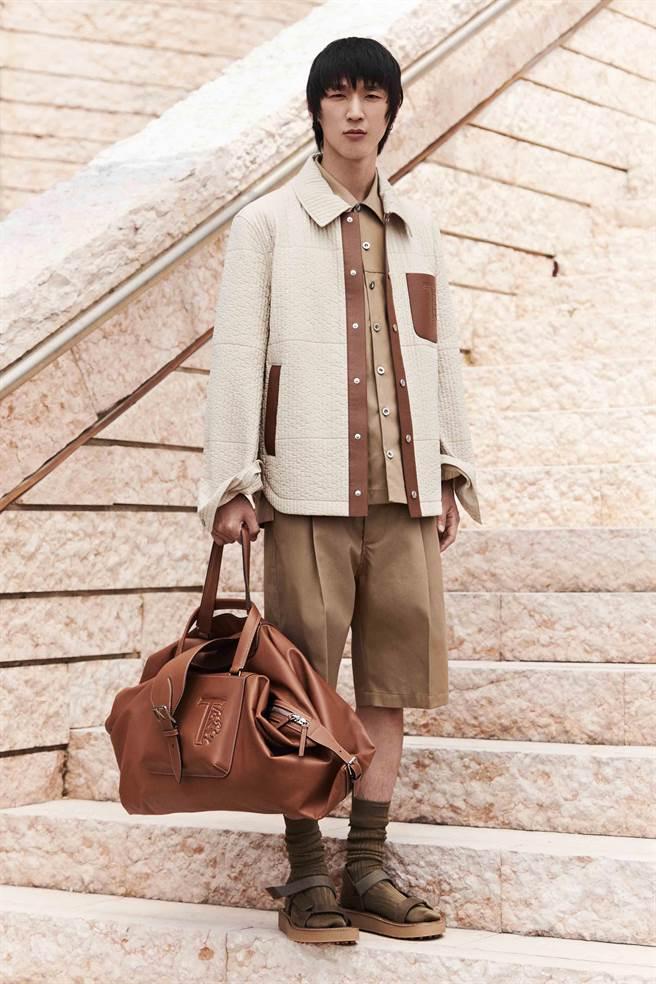 本季設計總監Walter Chiapponi以麂皮連帽衛衣、皮革拼接,展現品牌精湛工藝。(TOD'S提供)