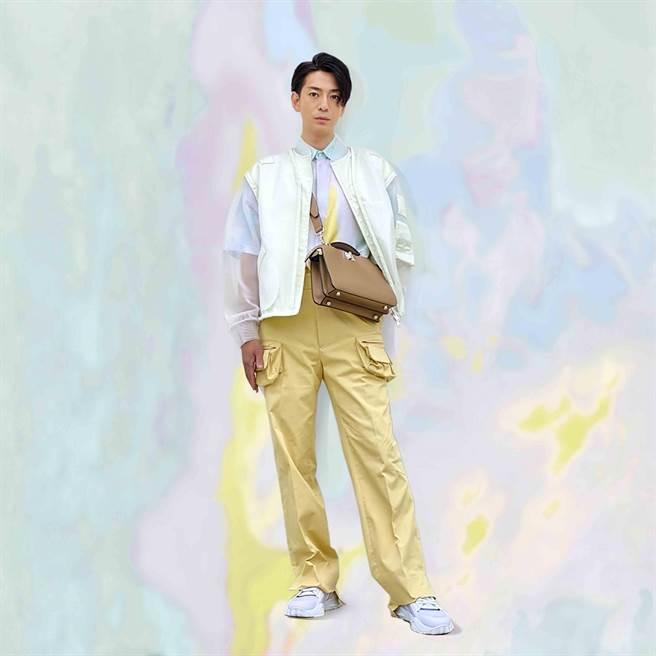 三浦翔平著FENDI 2022年春夏男裝系列。(FENDI提供)