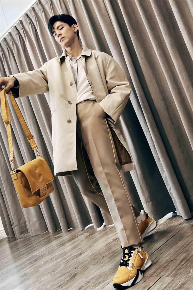 林柏宏搶先穿搭7月底上市的秋冬21新裝。(FENDI提供)