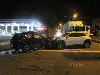 碰!台中黑車白車高速相撞3人傷 短裙女嚇到奔逃