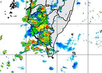 致災性豪雨來襲 高市六龜等5區週二停班停課、停止疫苗注射