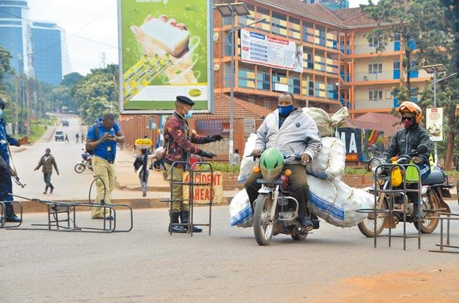 烏干達新冠疫情惡化 總統宣佈實施「全面封鎖」 。 (新華社)
