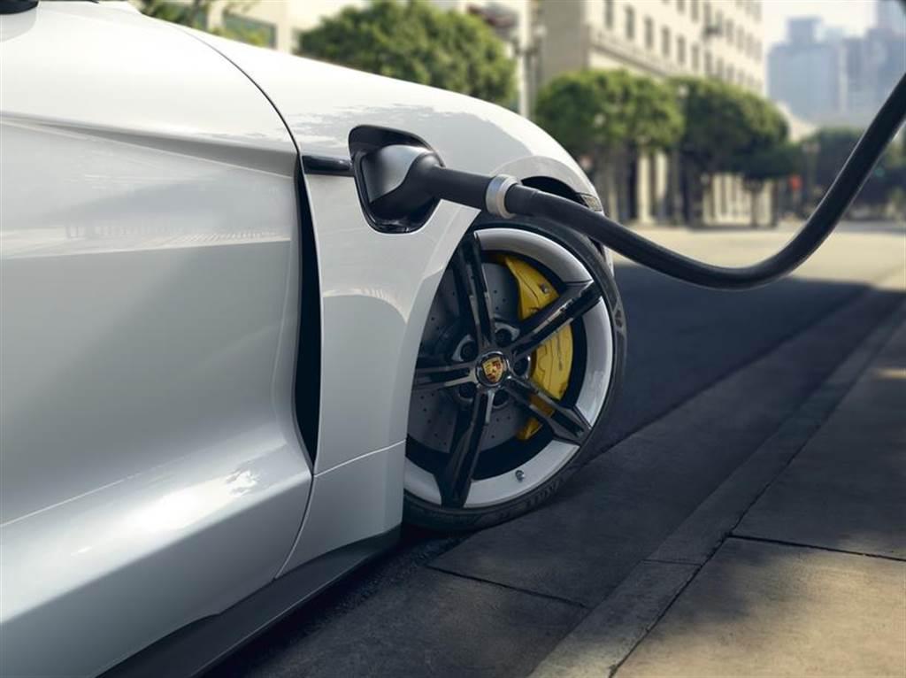 保時捷也要自產電動車電池!目標年產能 100 MWh、將優先用於高性能賽車