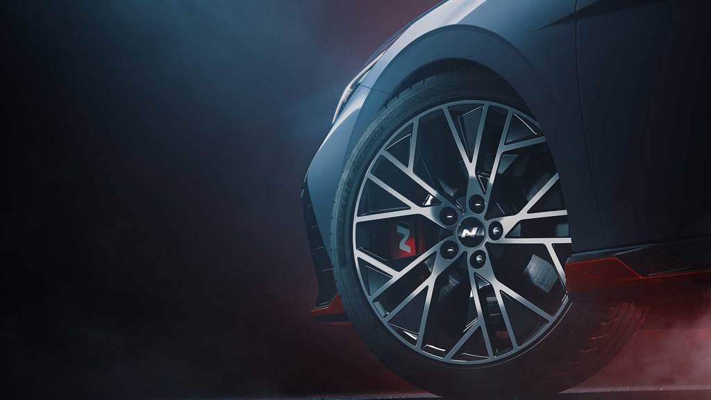 2.0 T-GDI 渦輪增壓+N Performance 底盤設定,Hyundai Elantra N 再度釋出預告照!