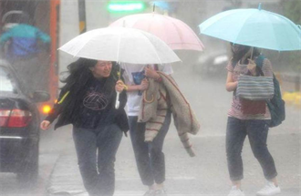 全台致災豪雨到 行星尺度級滯留鋒開炸 連雨4天