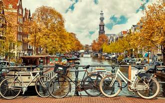 台列新冠低風險國家 24日起遊荷蘭免隔離