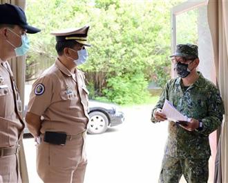 國防部為推動作戰區制暖身 陸軍八軍團指揮官視導海軍艦艇部隊