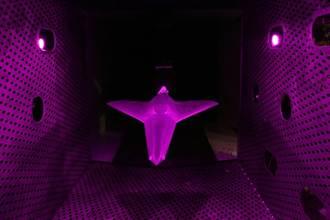 6代機? 美軍風洞實驗室的神秘無尾翼飛機
