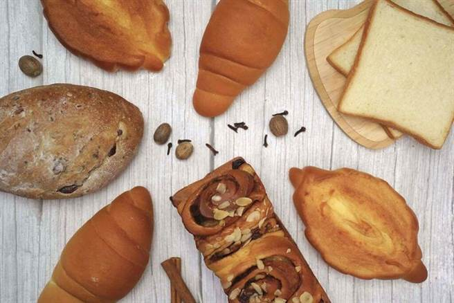 花比麵包坊推職人手作澎湃麵包組。 圖:台北花園大酒店╱提供