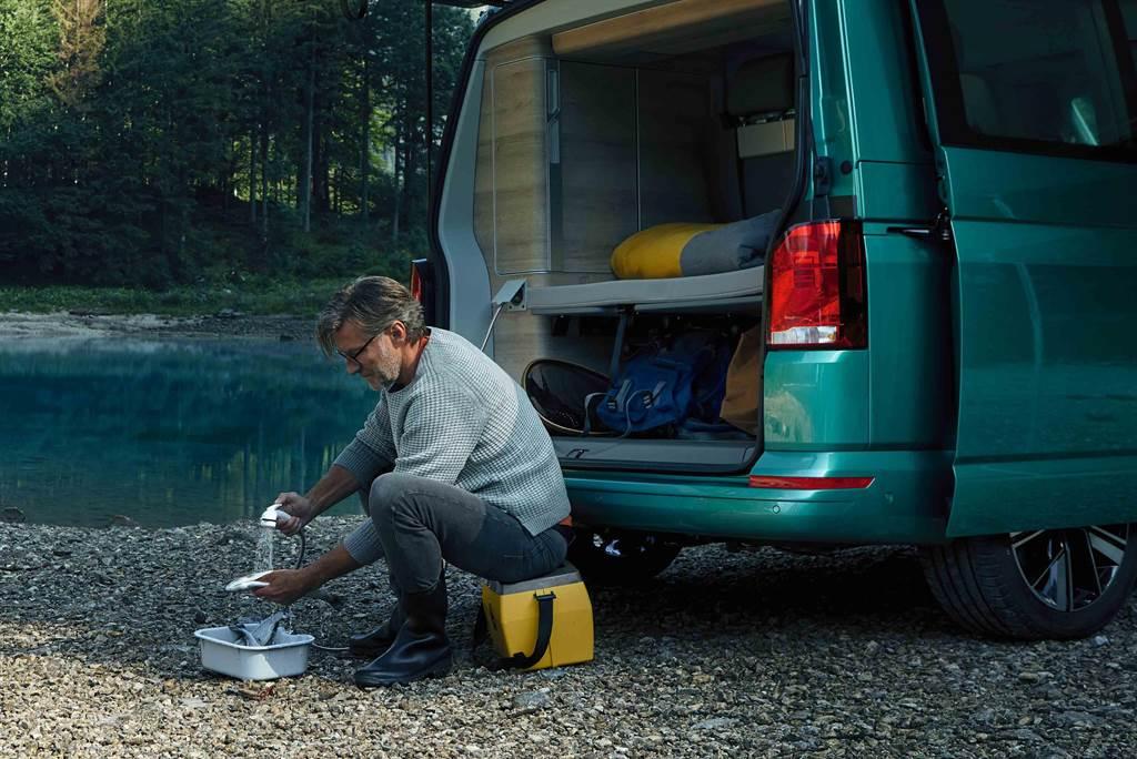 可選配外接清洗裝置,方便在野外清洗裝備。