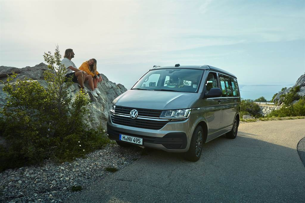 Coast搭載福斯集團IQ Drive智能駕駛輔助系統,提供完善的安全防護。