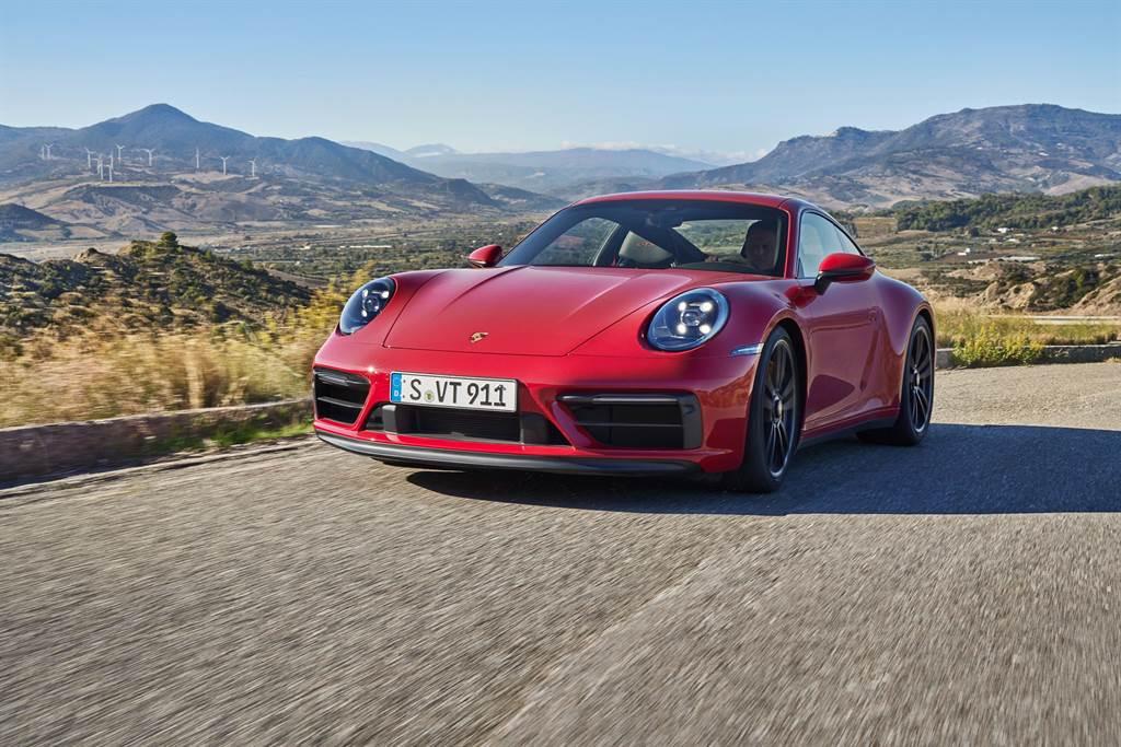 Porsche 911新增GTS動力,提供四款不同車型,售價780萬元起。