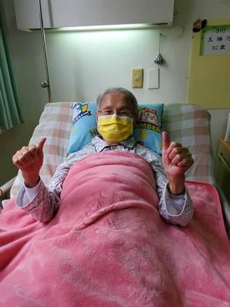 93歲文夏施打疫苗身體狀況曝光!妻:隔天就發燒