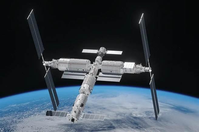 天宮太空站於2022年建成後,將有多達17國太空人登上天宮進行科學研究。圖為天宮太空站2022年完成後的想像圖。(圖/推特@usadralansari)