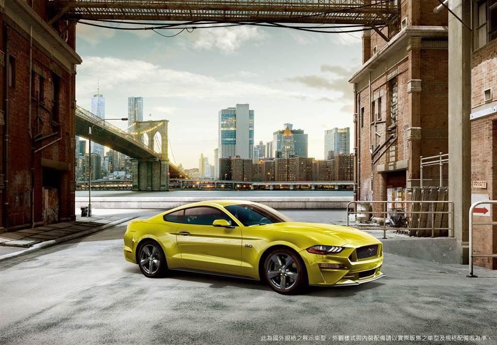 21年式Mustang全新車色Grabber Yellow搭配奔放動能滿足每一個自由駕馭的渴望。