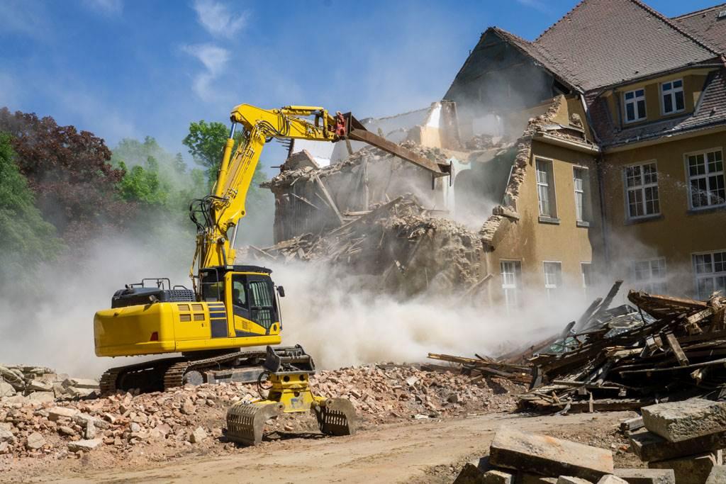 建築工人遲遲收不到3500英鎊(約新台幣14萬元)的費用,氣得砸爛客戶價值2千萬的房子。(示意圖/達志影像)