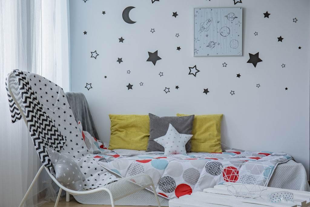 新加坡網友在網路上轉租房間,沒想到小小一間單人房放上一張床就幾乎塞買整個空間,卻開出要價約新台幣1萬元的租金。(示意圖/達志影像)