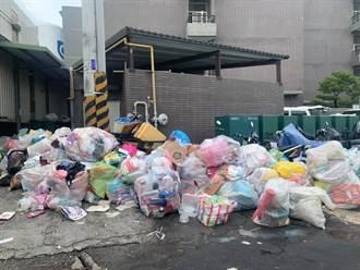 京元電大街上驚見垃圾山 前進指揮所撤離爆恐怖亂象