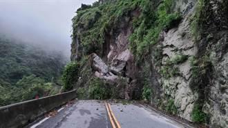 台東縣東富公路39.7K山壁崩塌 3村停止上班上課