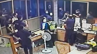 台南車手走不知路 遭受詐女子連7名親友約警局談判