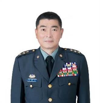 國防部:黃曙光屆退 由陳寶餘接任參謀總長