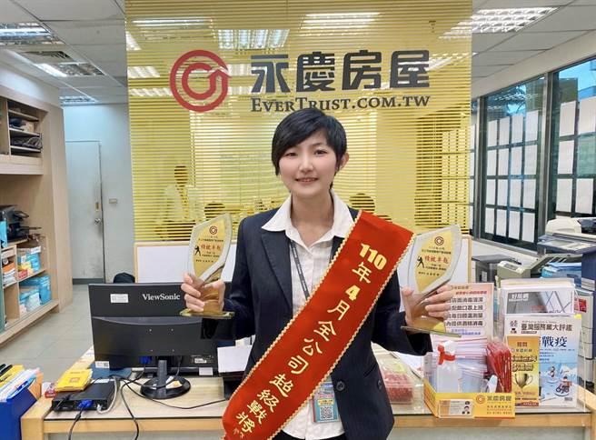 原本在菜市場擺攤創業的蘇瑩純,考慮到未來發展,決心到永慶房屋挑戰高薪的業務工作。(圖/永慶房屋提供)