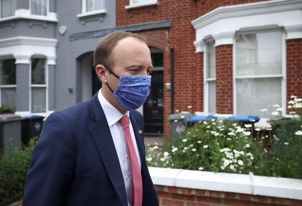 英国卫生大臣汉考克被拍到和富豪女顾问在办公室外激吻。图为汉考克。(图/路透社)(photo:ChinaTimes)