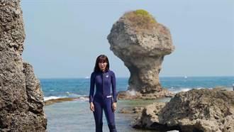驚見小琉球「20隻海龜」被漁網纏困!舒夢蘭1個Move令人感動