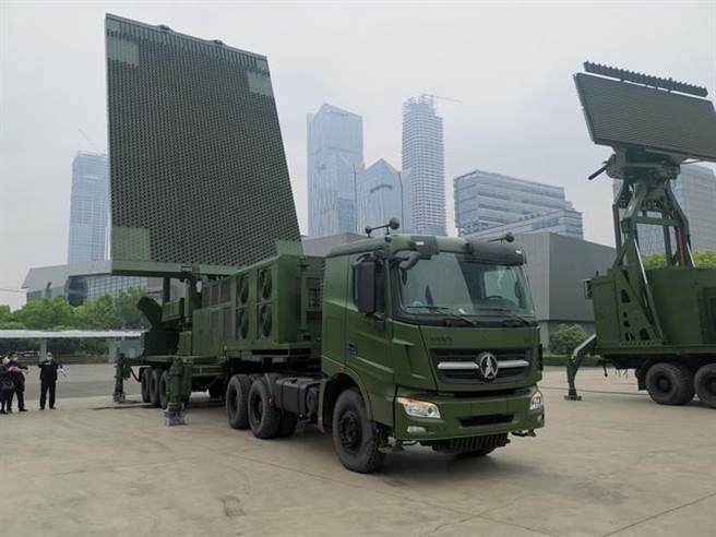 南京舉行的第9屆世界雷達博覽會展示SLC- 7三座標警戒雷達。(圖/新京報)