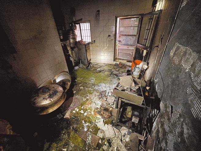 田姓婦人在廚房炊粿,發生瓦斯氣爆,婦人被炸得全身燒燙傷,沒有呼吸心跳,送醫不治。(彰化縣消防局第二大隊提供/吳敏菁彰化傳真)