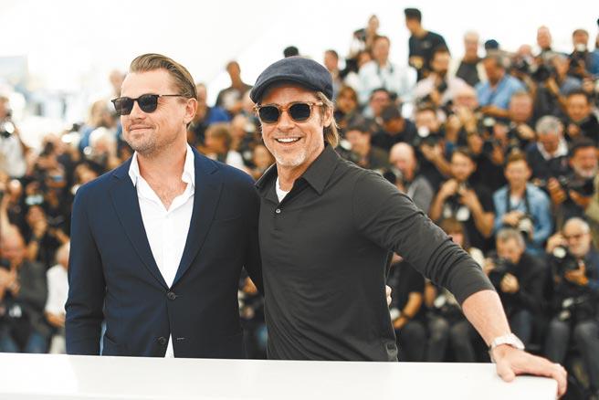 李奧納多迪卡皮歐(左)與布萊德彼特2019年為《從前,有個好萊塢》齊聚坎城影展。(路透)