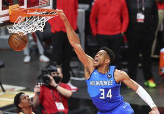 NBA》米德頓末節轟20分 公鹿逆襲老鷹摘G3勝利