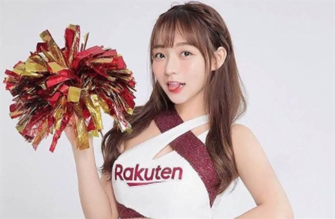 林襄是樂天桃猿啦啦隊「Rakuten Girls」人氣成員。(圖/翻攝自IG)