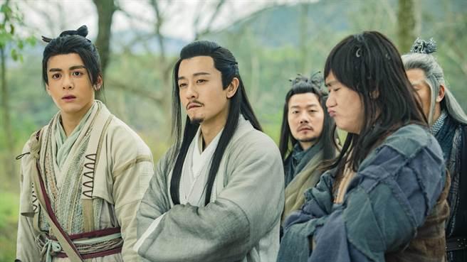 林雨申(左二)在《倚天屠龍記》飾演楊逍。(LiTV、林雨申工作室提供)