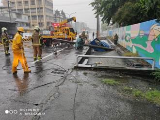 台南28歲男子自撞電線桿 摔落排水溝一命嗚呼