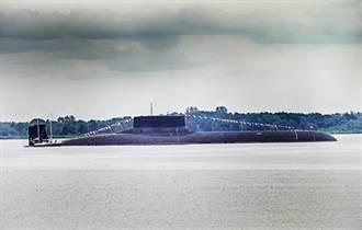 俄測試最新式巨型核潛艇 同時監控美驅逐艦在黑海動態