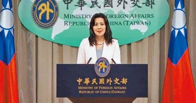 假使民進黨立法委員可以捐增中國製造的防護面罩,為何不能接受不是中國製造,而僅是中國代理的疫苗?圖為外交部發言人歐江安。(本報系資料照片)