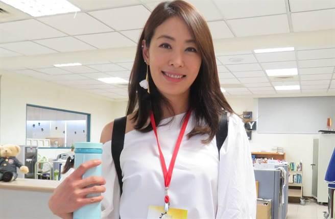 賈永婕預計陪大女兒安安準備出國讀書事宜,未來將離開台灣一陣子。(圖/賈永婕的跑跳人生臉書)