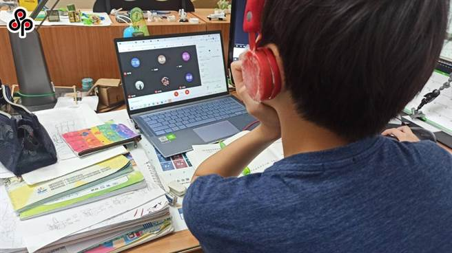 教育部7月1日於中興大學附屬高中成立「高級中等學校數位學習資源中心」,協助提升教師的線上教學能力。(本報資料照片)