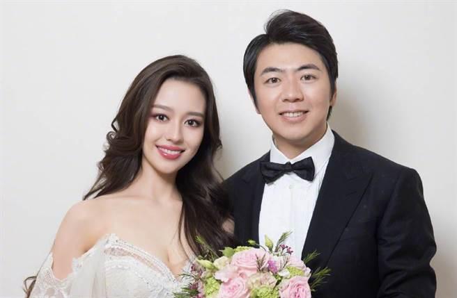 郎朗不只是著名的鋼琴家,他與妻子吉娜還是一對模範夫妻。(圖/取材自郎朗微博)