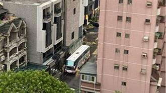 高雄大樓60住戶遭鐵腕式隔離 14天噴28萬網怒:離譜