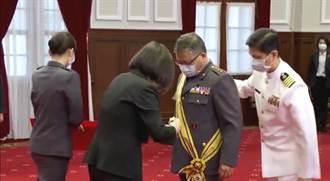 為晉升將領授階 蔡英文:強化國防能力刻不容緩
