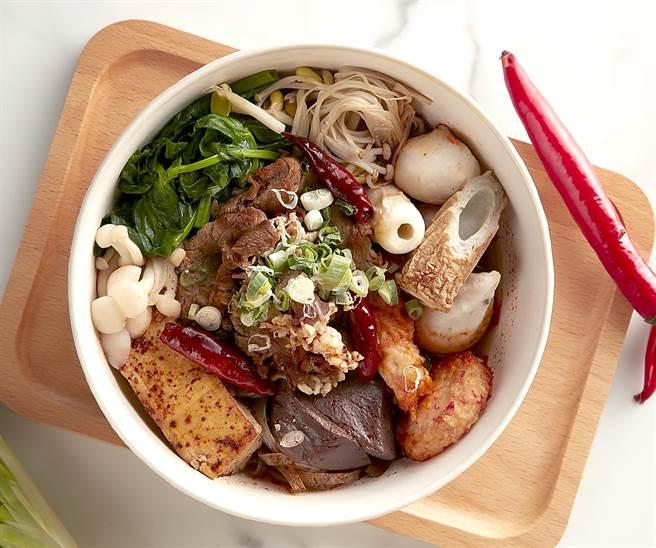 「美麗廚房」菜色豐富多樣,麻辣控可以買到「麻辣燙牛五花」。(圖/寒舍艾美酒店)