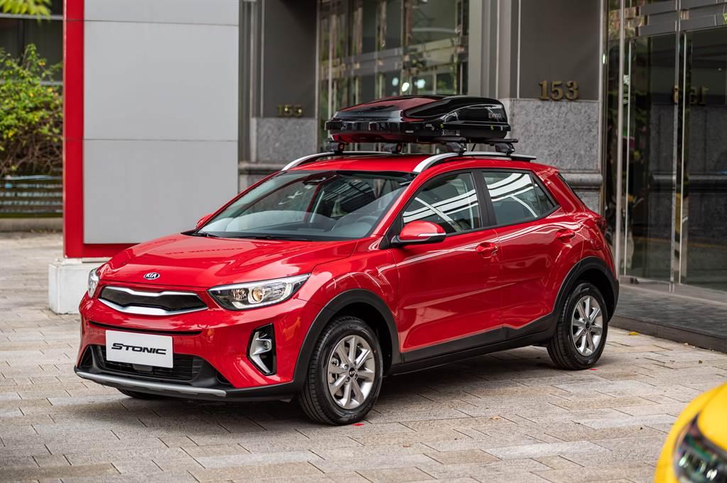 KIA進口潮旅All-new Stonic擁有傲視同級車款的主動安全科技,首年可享3,999元低月付理財專案。