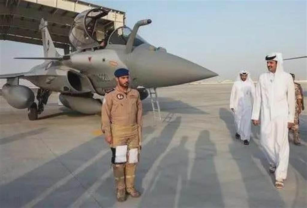 卡達空軍的法製飆風戰機在土耳其的安納托利亞2021聯合軍演中敗於巴基斯坦的梟龍戰機,引起印度高度憂慮,擔心這款高價購得的法國戰機在面對中巴兩國時可能面臨劣勢。圖為安納托利亞軍演的飆風戰機。(圖/微博)