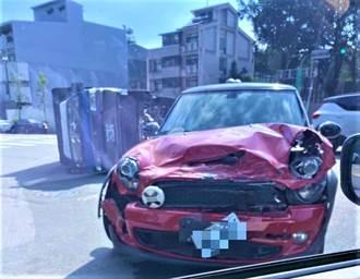 中市7期驚傳轎車疑搶快闖紅燈 貨車遭擊落整台噴飛2圈